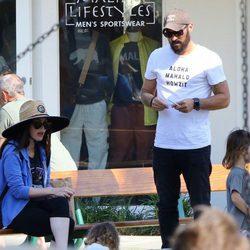 Megan Fox y Brian Austin con sus hijos en el parque el Día de los Caídos