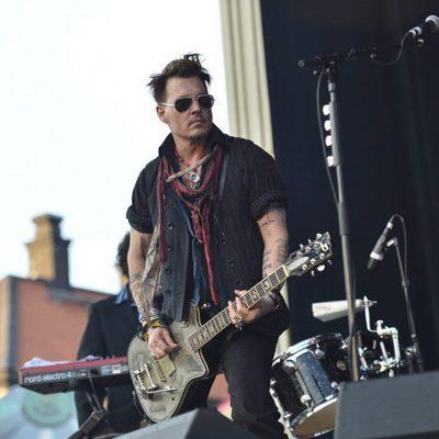 Johnny Depp de concierto el Día de los Caídos