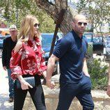 Huntington Whiteley y Jason Statham disfrutan el Día de los Caídos en pareja