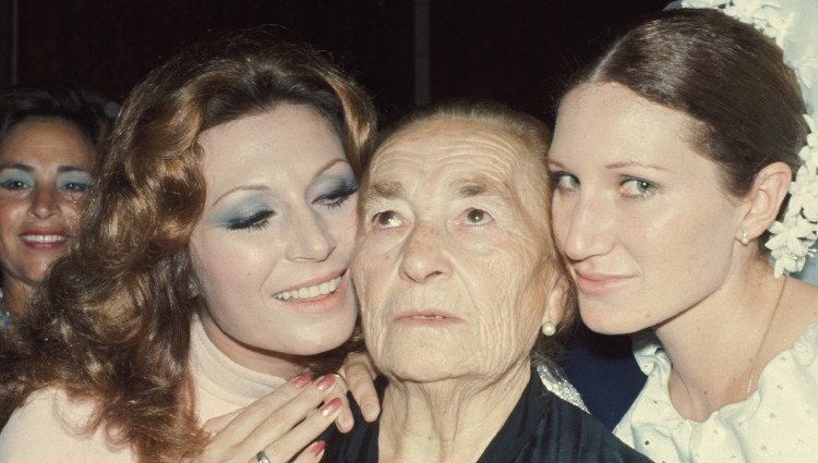 Rocío Jurado, su madre Rosario Jurado y su hermana Gloria Mohedano