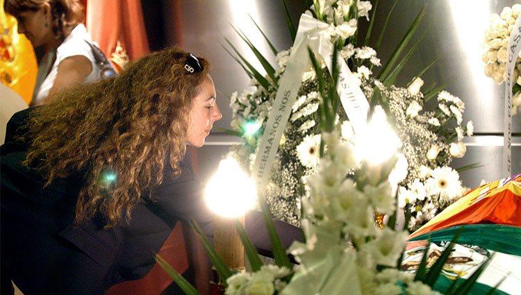 Rocío Carrasco en el entierro de su madre Rocío Jurado