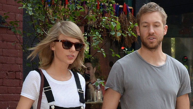 Calvin Harris y Taylor Swift paseando cogidos de la mano por Nueva York