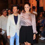 Pastora Soler y  Francis Vinolo en la presentación de la colección de María José Suárez en pasarela SIQ en Sevilla