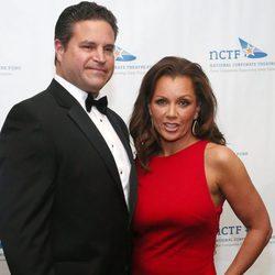 Vanessa Williams y su marido Jim Skrip