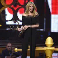 Julia Roberts galardonada en la gala de los Guys Choice 2016