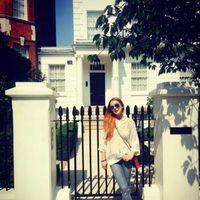 Lindsay Lohan en la casa de los padres de Annie de 'Tú a Londres y yo a California'
