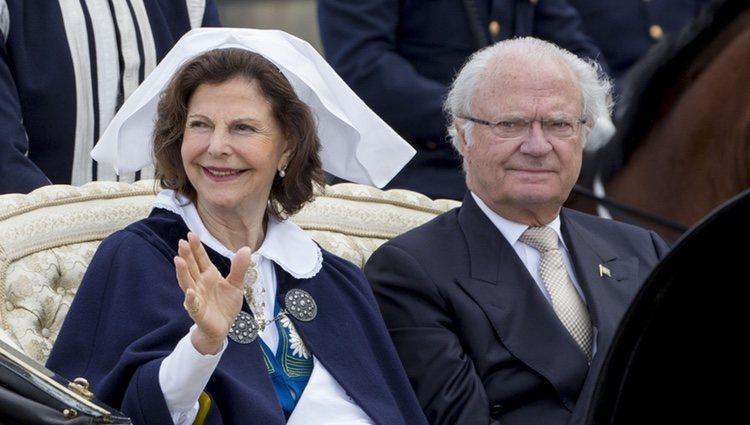 Carlos Gustavo y Silvia de Suecia en el Día Nacional de Suecia 2016