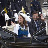 Carlos Felipe de Suecia y Sofia Hellqvist en el Día Nacional de Suecia 2016