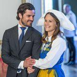 Carlos Felipe de Suecia y Sofia Hellqvist, muy enamorados en el Día Nacional de Suecia 2016
