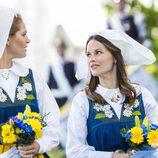 Magdalena de Suecia y Sofia Hellqvist en el Día Nacional de Suecia 2016