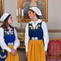 Sofia Hellvist y Magdalena de Suecia en el Día Nacional de Suecia 2016