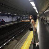 Úrsula Corberó en el Metro de Madrid