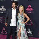 Carrie Underwood y Mike Fisher en los CMT Music Awards 2016