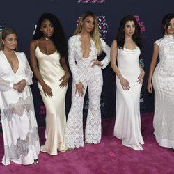 Fifth Harmony en los CMT Music Awards 2016