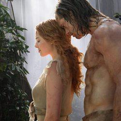 Alexander Skarsgard y Margot Robbie en 'La Leyenda de Tarzán'