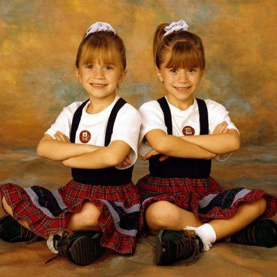 Mary-Kate y Ashley Olsen durante el rodaje de 'Padres Forzosos'