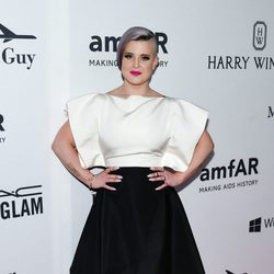 Kelly Osbourne en la Gala amfAR 2016 de Nueva York