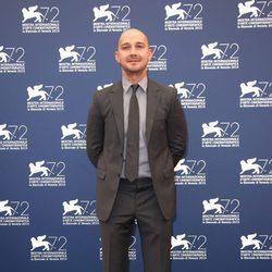 Shia LaBeouf en el photocall del Festival de Cine de Venecia 2016