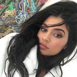Kylie Jenner promociona sus cosméticos