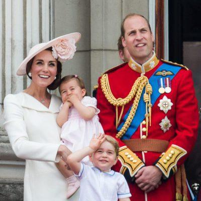 Los Duques de Cambridge y sus hijos Jorge y Carlota en Trooping the Colour 2016