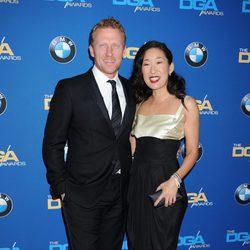 Kevin McKidd y Sandra Oh durante la 66º edición del Annual Directors Guild de America Awards