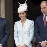 La Duquesa de Cambridge en la misa por los 90 cumpleaños de la Reina Isabel II de Inglaterra