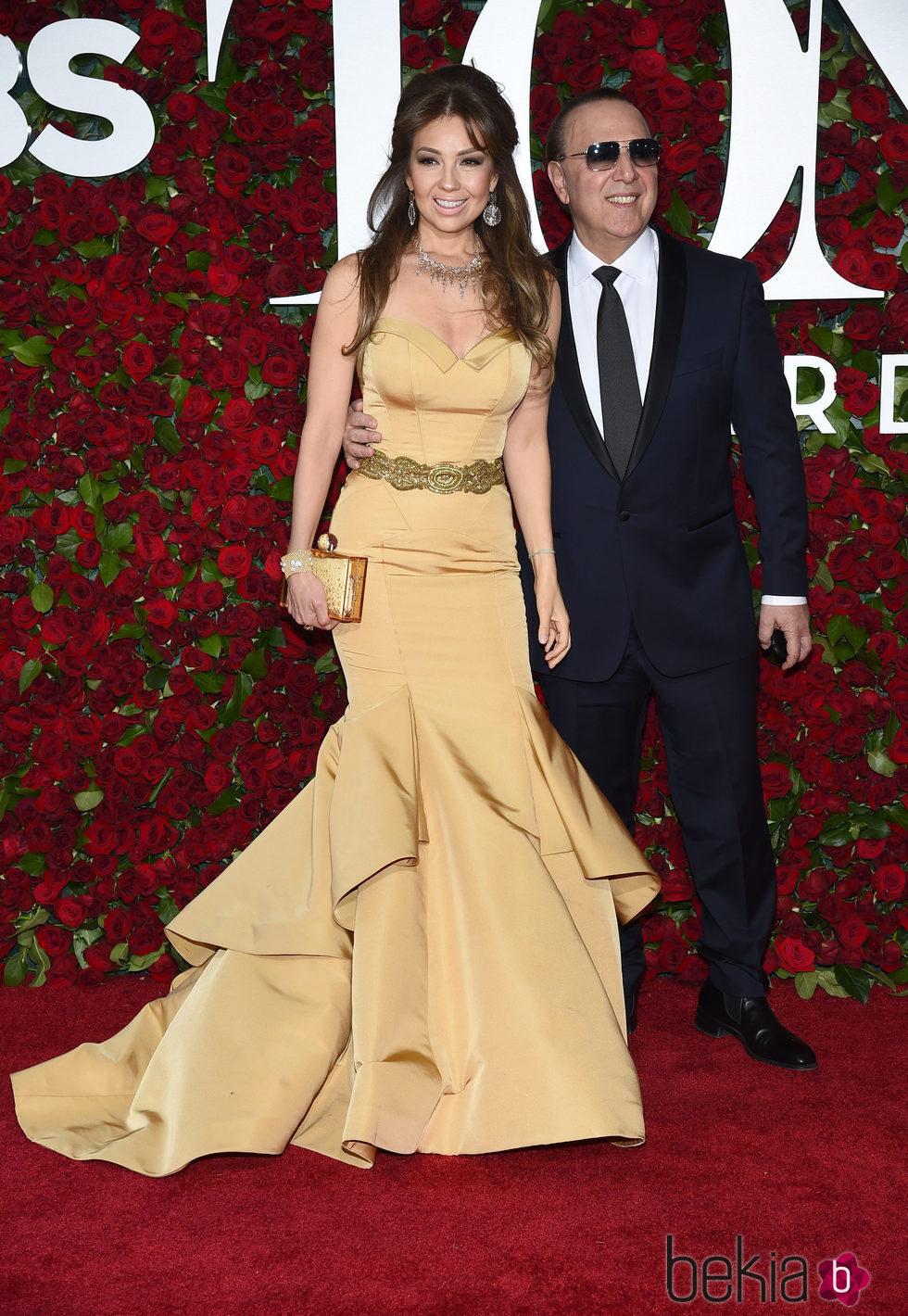 Thalia y Tommy Mottola en los Premios Tony 2016