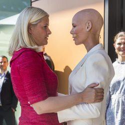 Mette Marit de Noruega y Gunhild Stordalen en el Foro de Alimentación de Estocolmo