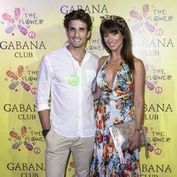 Sonia Ferrer y su novio Nahuel Casares en la fiesta Flower Power de Madrid