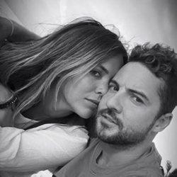 David Bisbal felicita a su novia Rosanna Zanetti