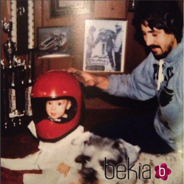 Danica Patrick junto a su padre tiempo atrás