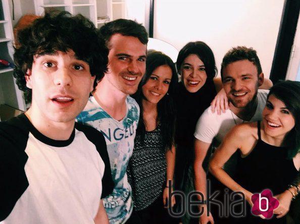 Los actores de 'FoQ' Javier Calvo, Angy, Gonzalo Ramos, Sandra Blázquez, Adam Jezierski y Leonor Martín se reencuentran