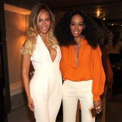 Beyoncé y Solange Knowles en el aniversario de la fundación 'Chime For Change'