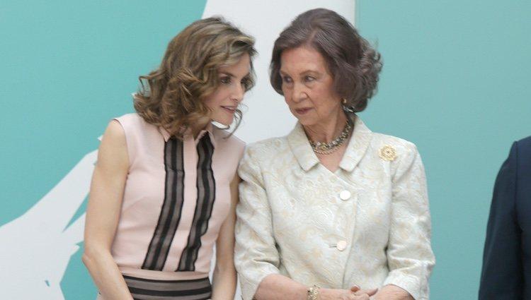 La Reina Letizia y la Reina Sofía en el 30 aniversario de la FAD