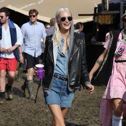 Poppy Delevingne en el festival de Glastonbury 2016