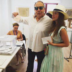 Paula Echevarría con Tito Valverde en las elecciones general del 26J