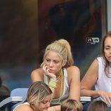 Shakira, aburrida en el partido Italia-España en la Eurocopa 2016