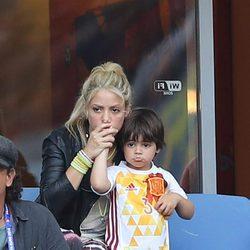 Shakira y Milan Piqué en el partido Italia-España en la Eurocopa 2016