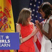 La Reina Letizia y Michelle Obama, muy cómplices en la presentación de Let Girls Learn en Madrid