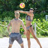 James Rodríguez haciendo deporte con su mujer