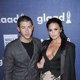 Nick Jonas y Demi Lovato en los premios GLAAD 2016