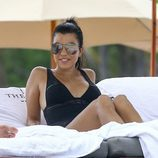 Kourtney Kardashian disfrutando de sus vacaciones en Miami