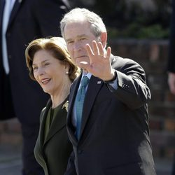 George W. Bush and Laura Lane durante el 50º aniversario de '¿Bloody Sunday?'