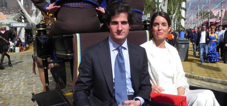 Fernando Fitz-James Stuart y Sofía Palazuelo en la Feria de Abril