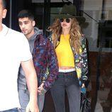 Zayn Malik y Gigi Hadid cogidos de la mano en Nueva York