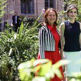 La Reina Letizia y Ségoléne Royal antes de su almuerzo privado en París