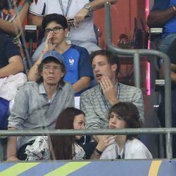 Mick Jagger con sus hijos James y Lucas en la final de la Eurocopa 2016
