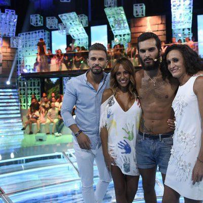 Cristian, Steisy, Suso y Dulce en el plató de de 'Supervivientes'