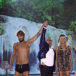 Jorge Javier Vázquez anunciando la victoria de Jorge Díaz en 'Supervivientes'