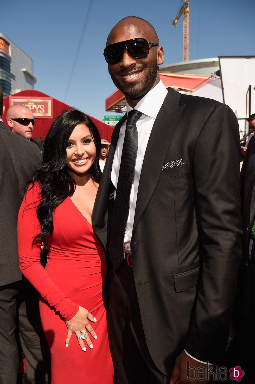 Kobe Bryant y su mujer Vanessa Bryant en los premios ESPY 2016